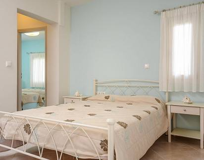 Naxos Room Apartments